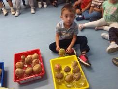 Agustín con su patata