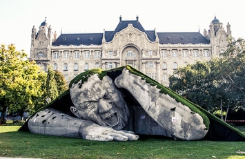 Popped Up de Ervin Loranth Herve-Budapest-Hungria 01